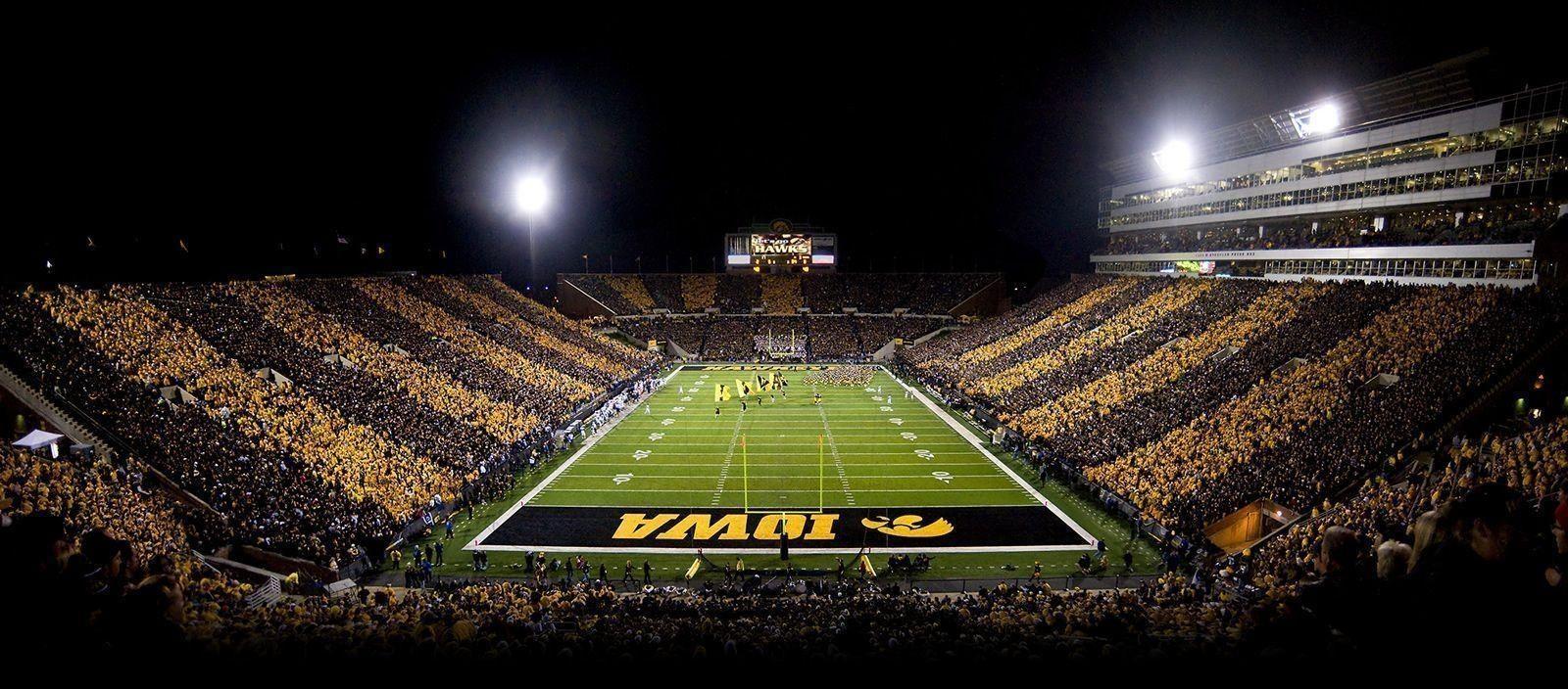 10 Best Iowa Hawkeyes Football Wallpaper Full Hd 1080p For Pc Desktop Iowa Hawkeye Football Hawkeye Football Iowa Football