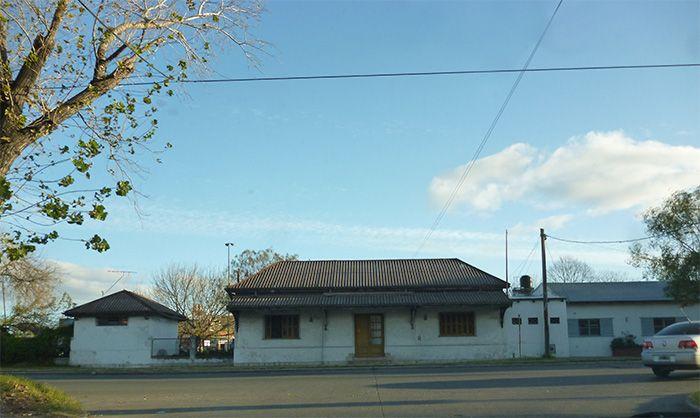 Vieja  estación de trenes del barrio de Gambier ubicada en 50 y 31.
