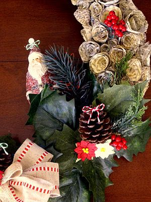 The Twisted Muse: A Classic Christmas Wreath and Tutorial