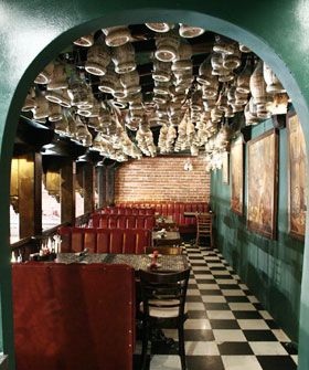 Los Angeles Restaurants With History Classic Restaurants In La Classic Restaurant Los Angeles Restaurants Cool Cafe