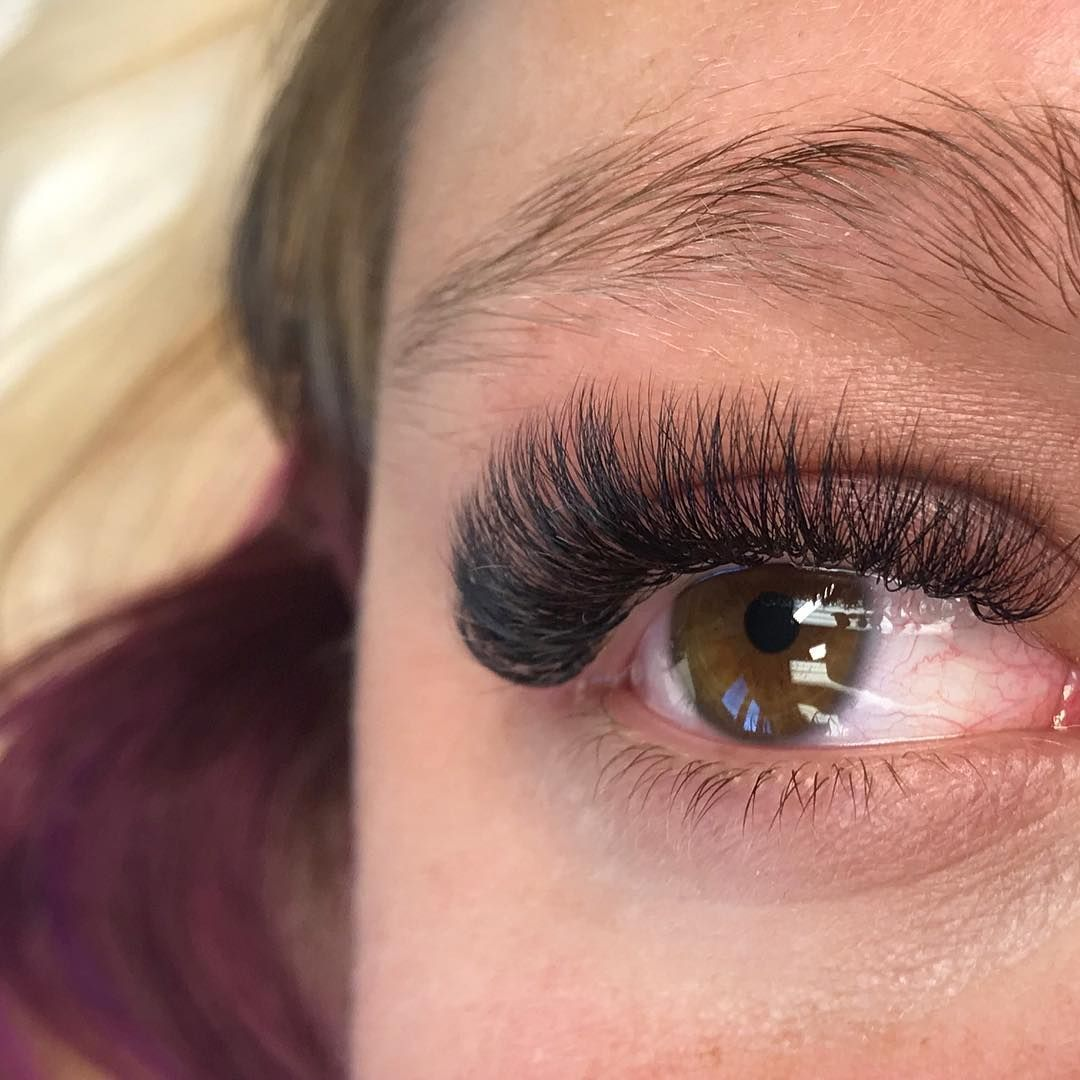 "2c004c9f21d Jacqueline Loerzel on Instagram: ""6D Volume Lashes #volumelashes #lashes  #eyelashtechnician #minklashes #minklashextensions #minkeyelashes ..."