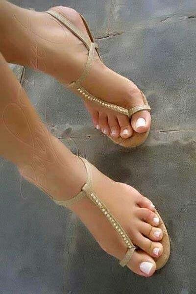 pinterest • xosarahxbethxo | Sandalias bonitas, Zapatos bonitos