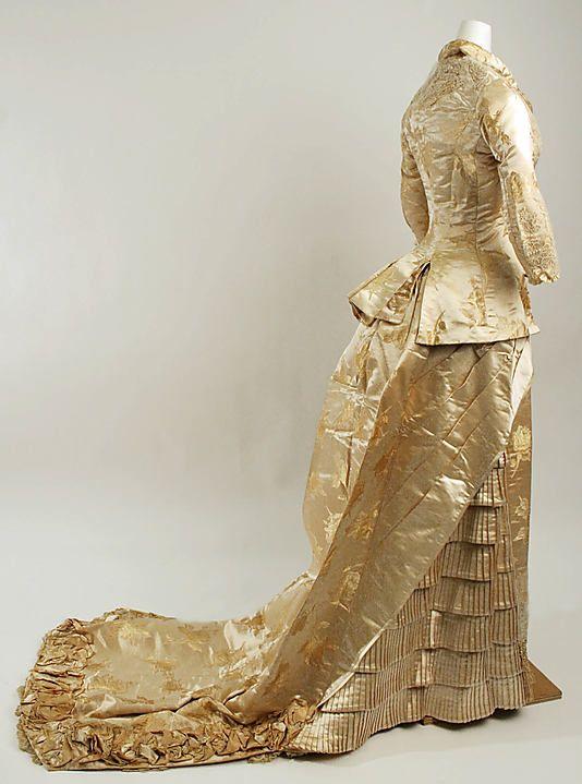 Wedding dress, early 1880s