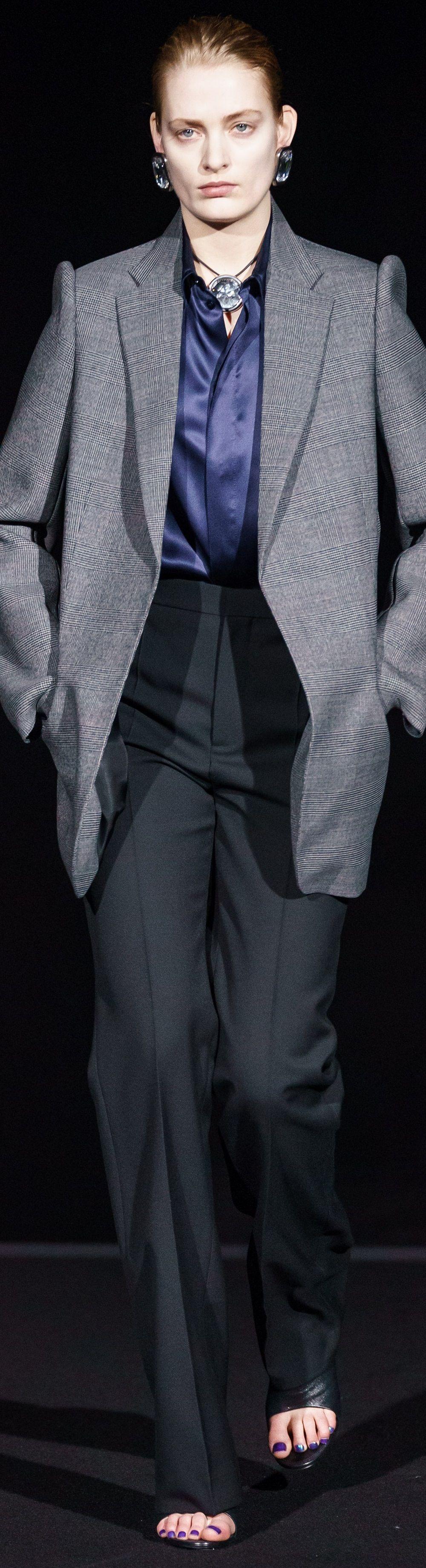 Balenciaga Fall RTW 2019 in 2020 Work fashion, Fashion
