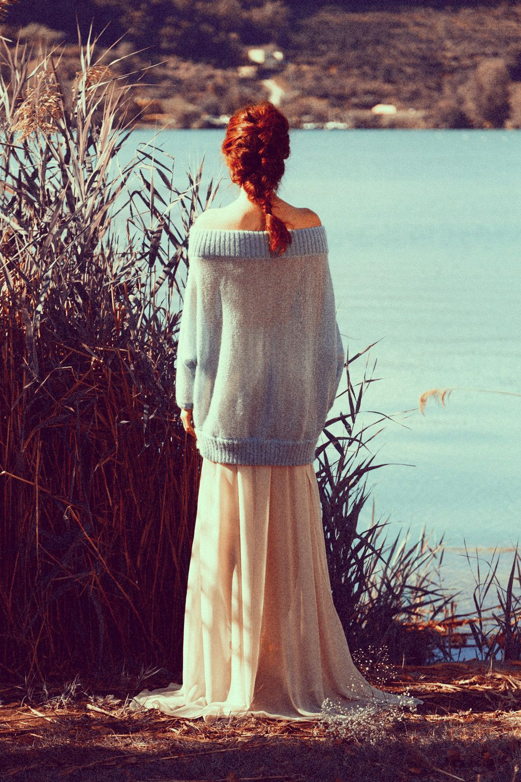 Lake shoulders - A simple picture of a girl from behind by the lake.