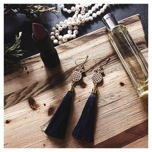90a6d02fdeeb1e I call these the hospitality earrings - the tassel is handmade with silk  thread and dyed