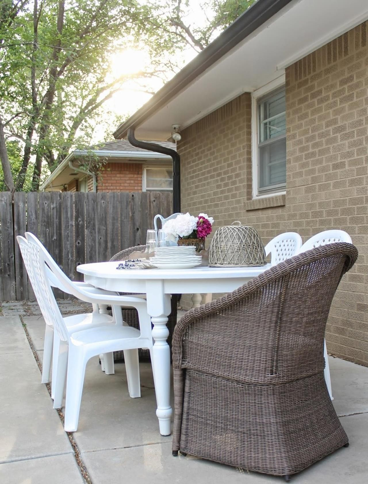 farmhouse picnic table and chairs