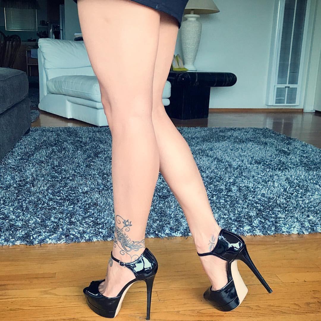 seksualnie-nogi-na-kablukah