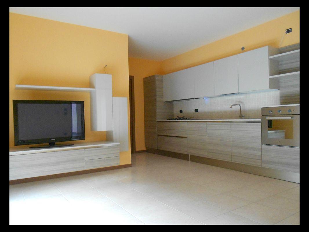 Cucina lineare Veneta Cucine modello Start-Time .go. con piano in ...