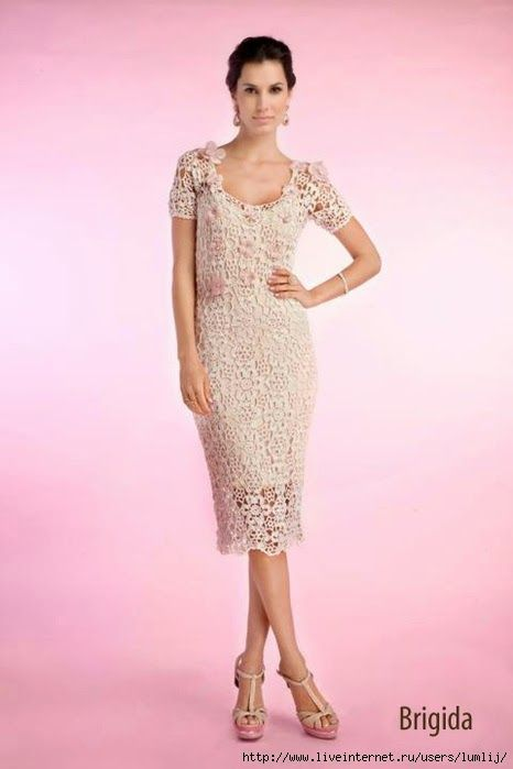 Irish crochet &: Dress by Brazilian designer Giovana Diaz.