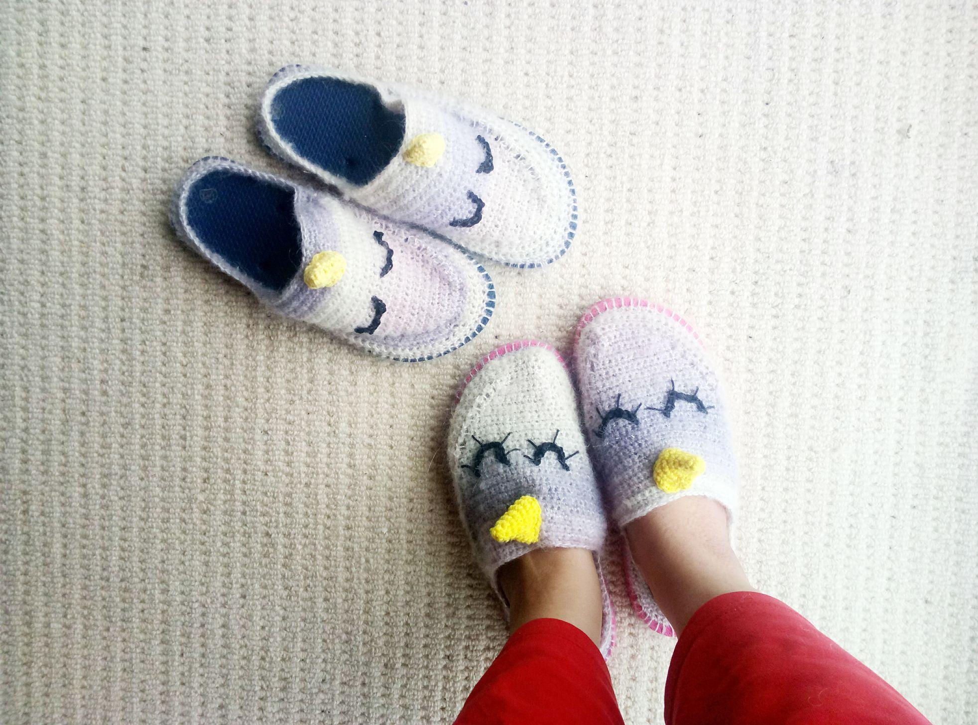 Crochet Unicorn Slippers with flip flop soles - free pattern ...