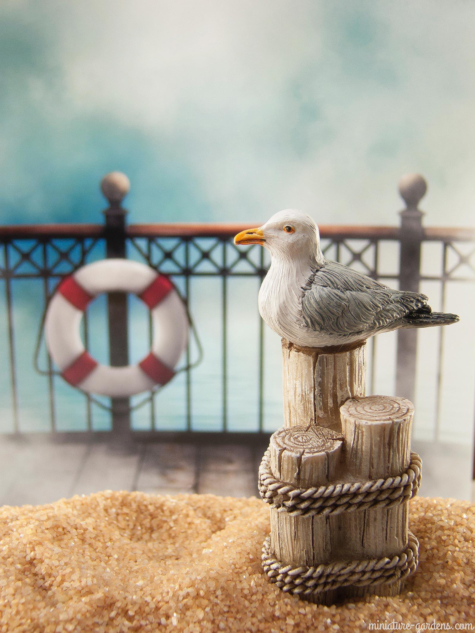 Miniature seagulls to enchant your coastal fairy gardens.