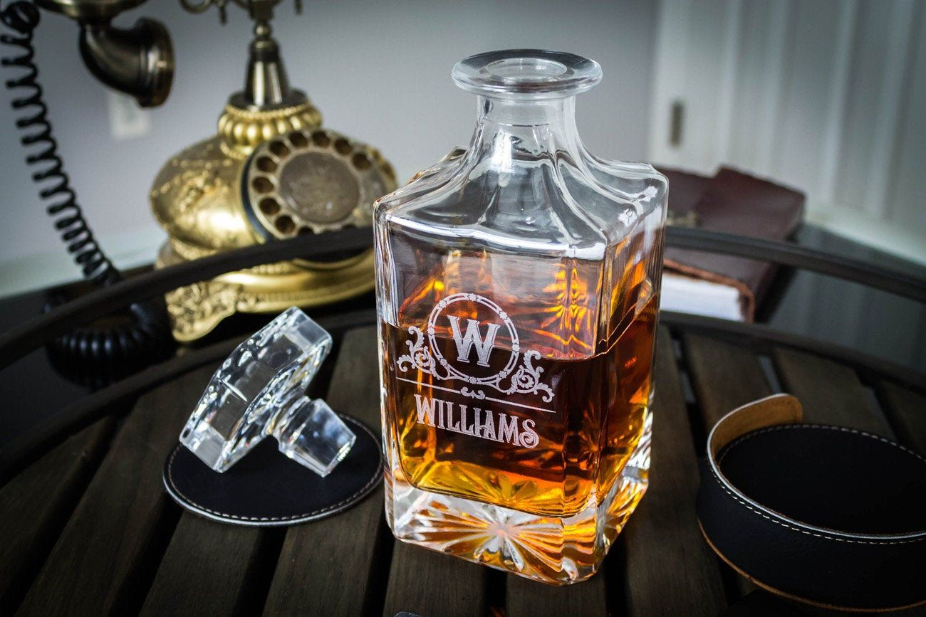 Whiskey Decanter Personalized Decanter Custom Whiskey Decanter Groomsmen Gift Set With 2 Glasses Wedding Gift Gift For Men Personalized Decanter Whiskey Decanter Whiskey