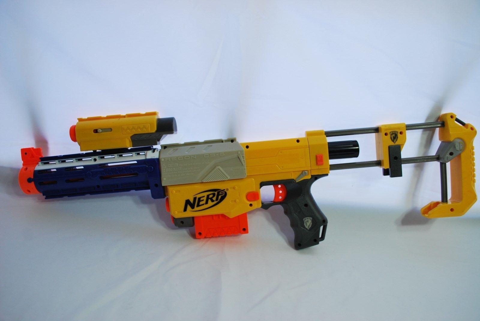 Amazon.com: Nerf Gun Rifle - Nerf Zombie Strike SlingFire Blaster Rifle Gun  with 25 Dart Drum and 31 Darts Exclusive Limited Edition with Nerf Zombie  Strike ...