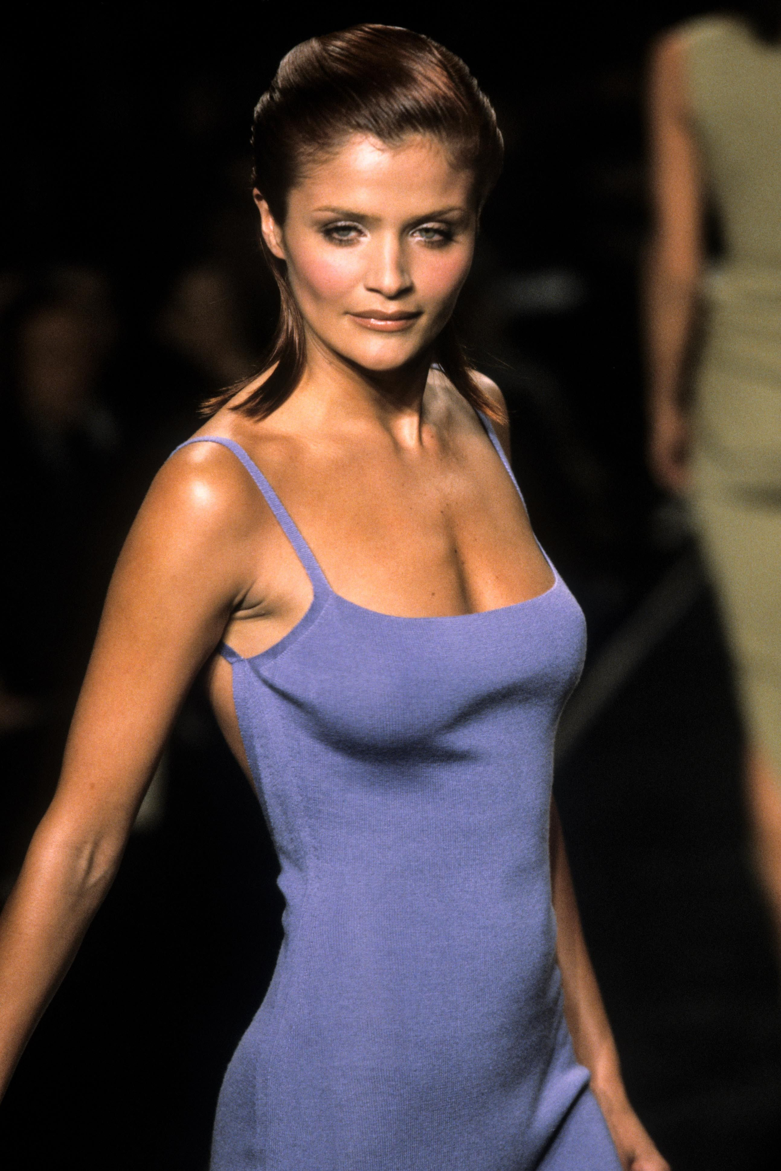 7e46d4805 Helena Christensen Halston Runway Show 1998. Find this Pin and more on Moda  2 ...