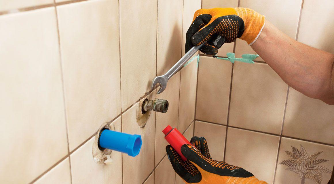 Badezimmer Renovieren So Werden Fliesen Fugen Und Co Wie Neu