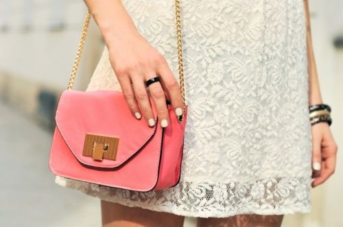 lace dress, chain bag, ecru nails.