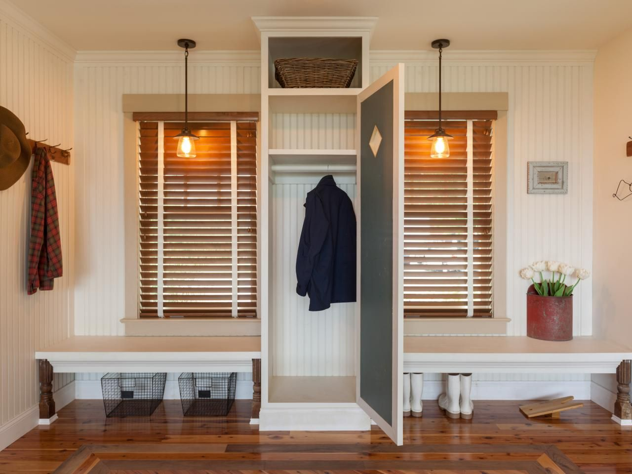 Browse photos and tell us which DIY Network Blog Cabin foyer you ...