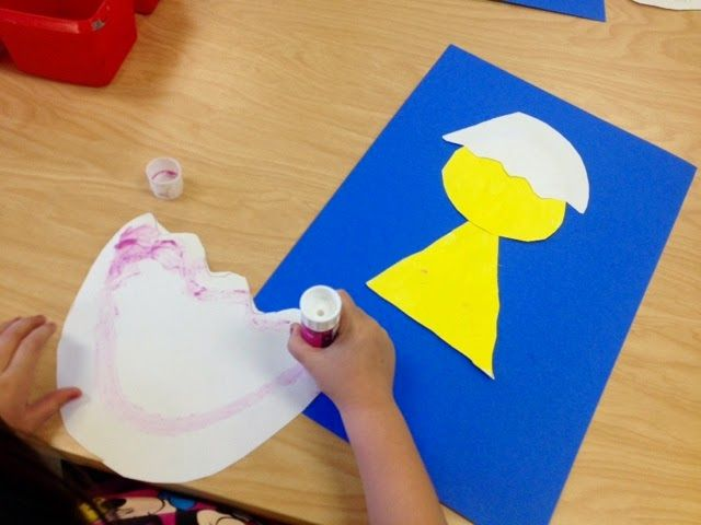 Spring Chick Collage    Kindergarten Art           First, each child drew a circle and a triangle. The circle will be the chick's head and...