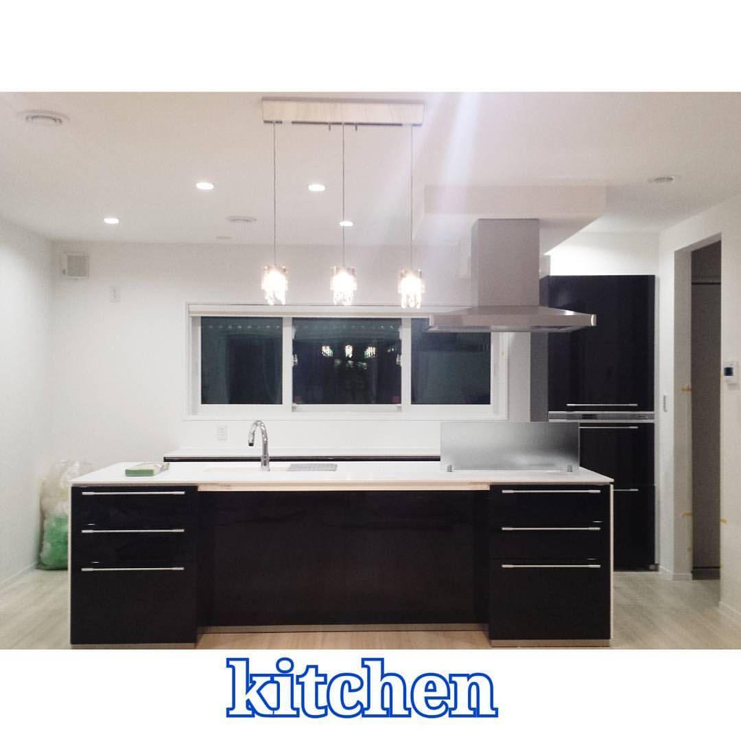 キッチンとご対面 艸 窓を大きくしたくてカップボードは 下段