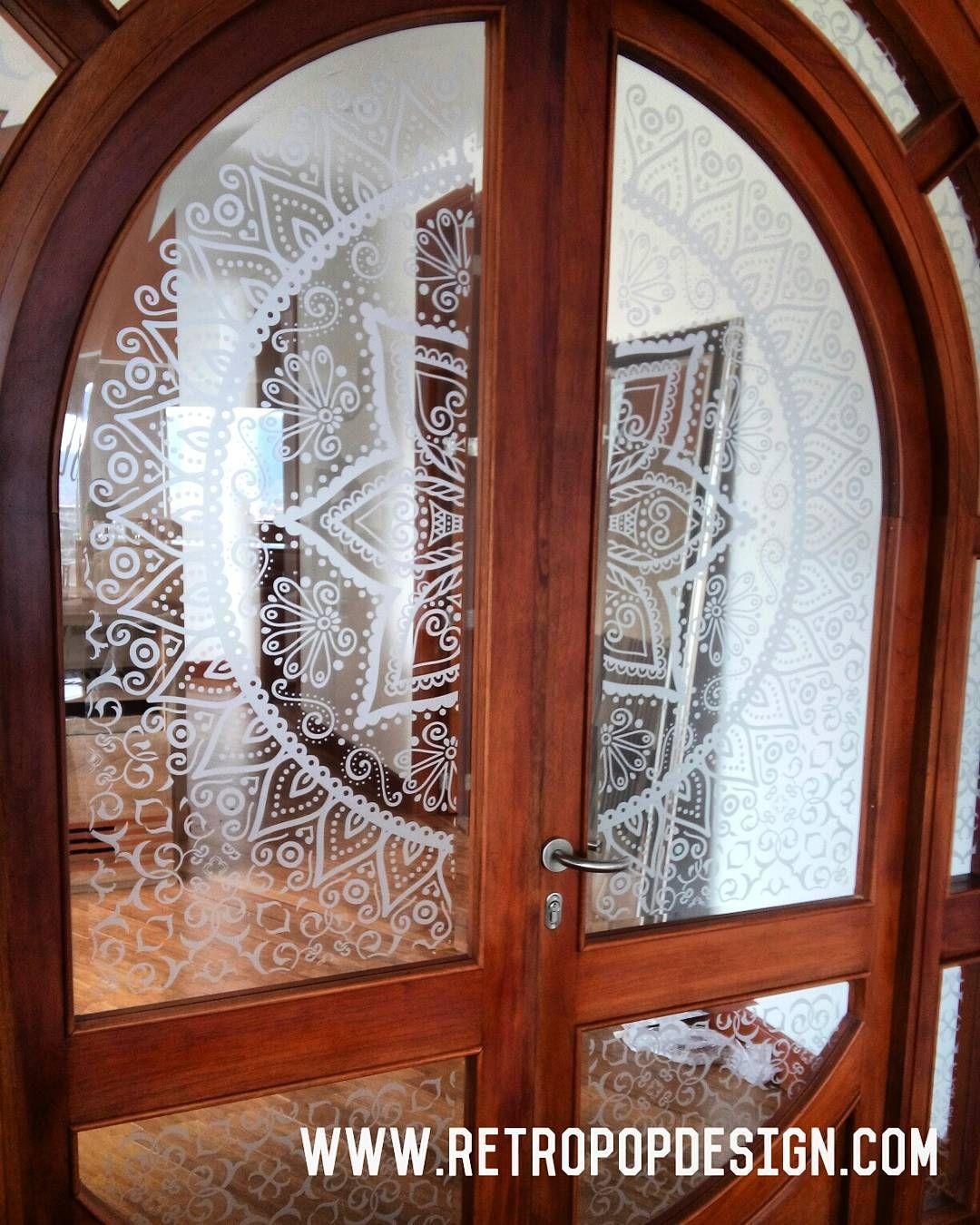 vinilo decorativo para puerta de vidrio. Diseño suministrado por el ...