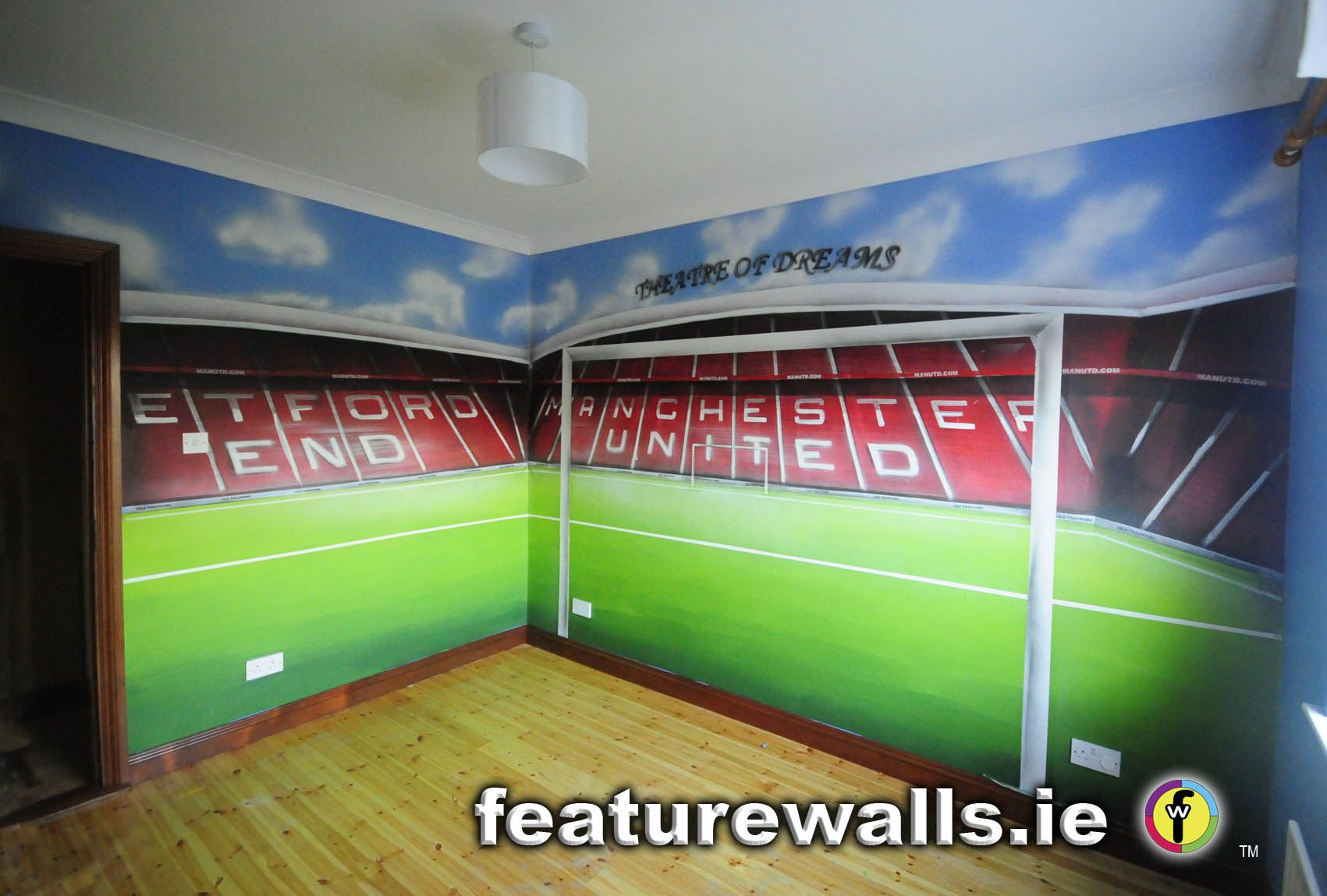 Hand painted manchester united old trafford kids room for Mural kids room