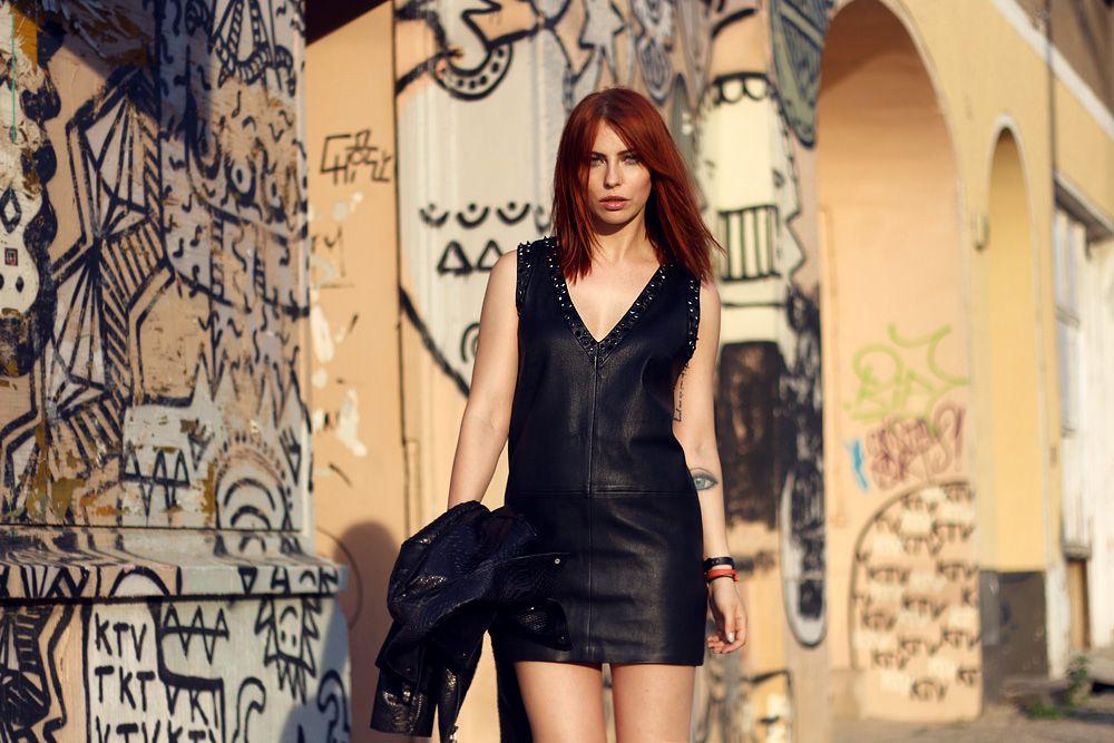 sly010 berlin brands label marken mode outfit schwarz lederkleid krokodil lederjacke crocodile leather jacket black