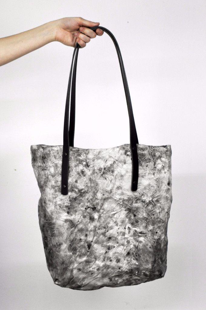 Crinkle Leather Tote Bag Moon