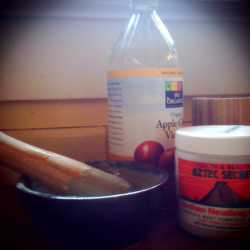 Anti-Aging Moisture Mask: equal parts calcium bentonite clay & apple cider vinegar + aloe vera gel from one leaf.