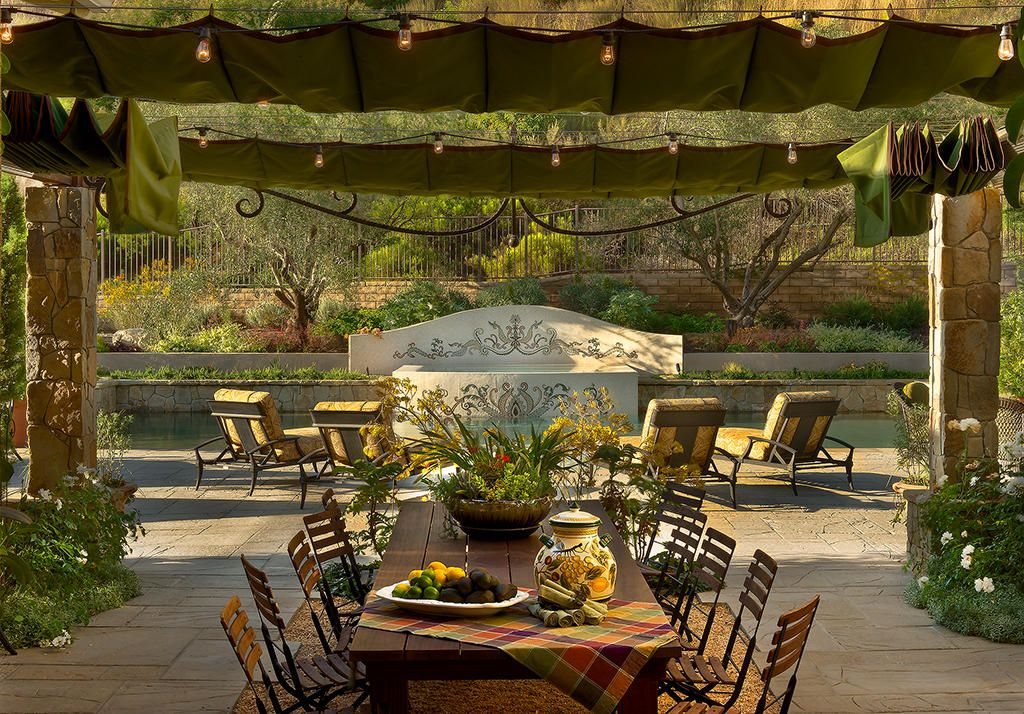 Outdoor Eating Area 34306 1900 Jpg