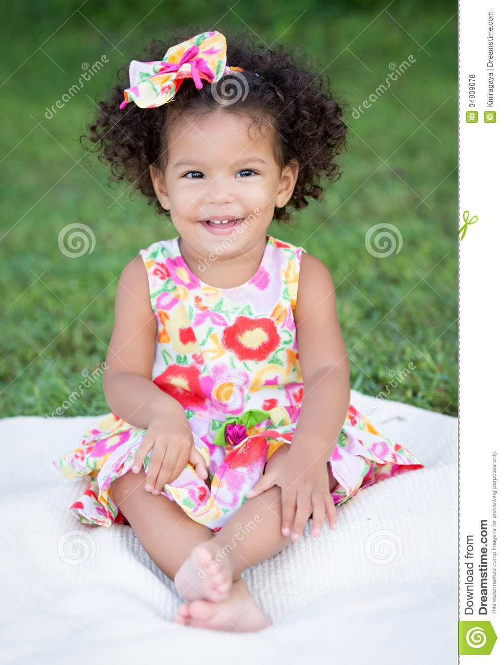 hispanic girl with an afro hairstyle - download from over 26