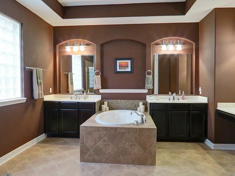 23 Master Bathrooms With Two Vanities Custom Bathroom Small Master Bathroom Master Bathroom Design