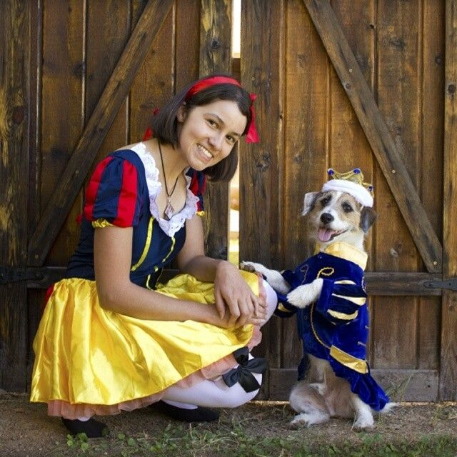 19 Couples Costume Ideas For You And Your Pet Dog Halloween