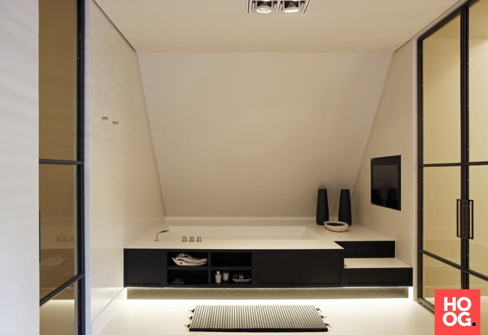 Badkamer Design Ideeen : Badkamer design met luxe ligbad badkamer ideeen design