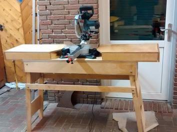 a workbench for the mitre saw workspace workshop garage pinterest bauanleitung. Black Bedroom Furniture Sets. Home Design Ideas