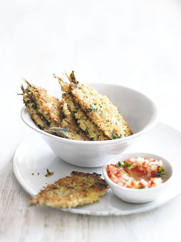 sardinas crumbed estafa aderezo de tomate