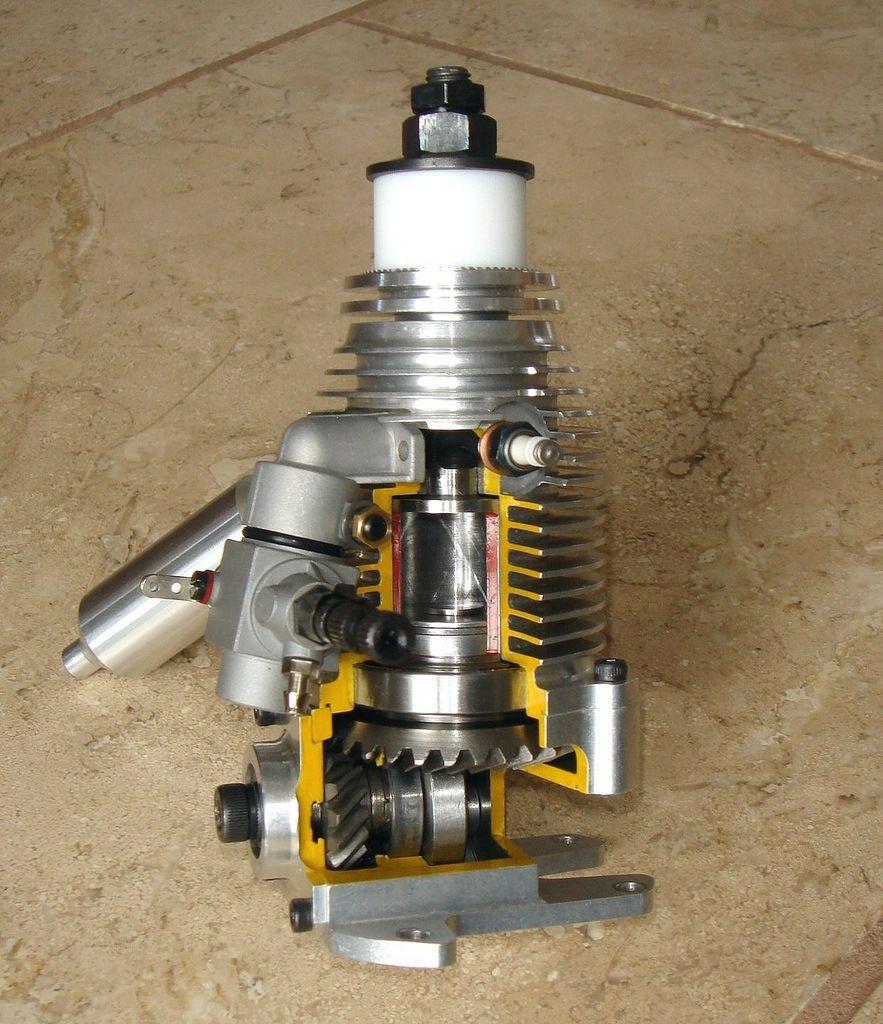 Mini Turboprop Engine: Cutaway Museum Display RCV 60 Sleeve Valve Model Aeroplane