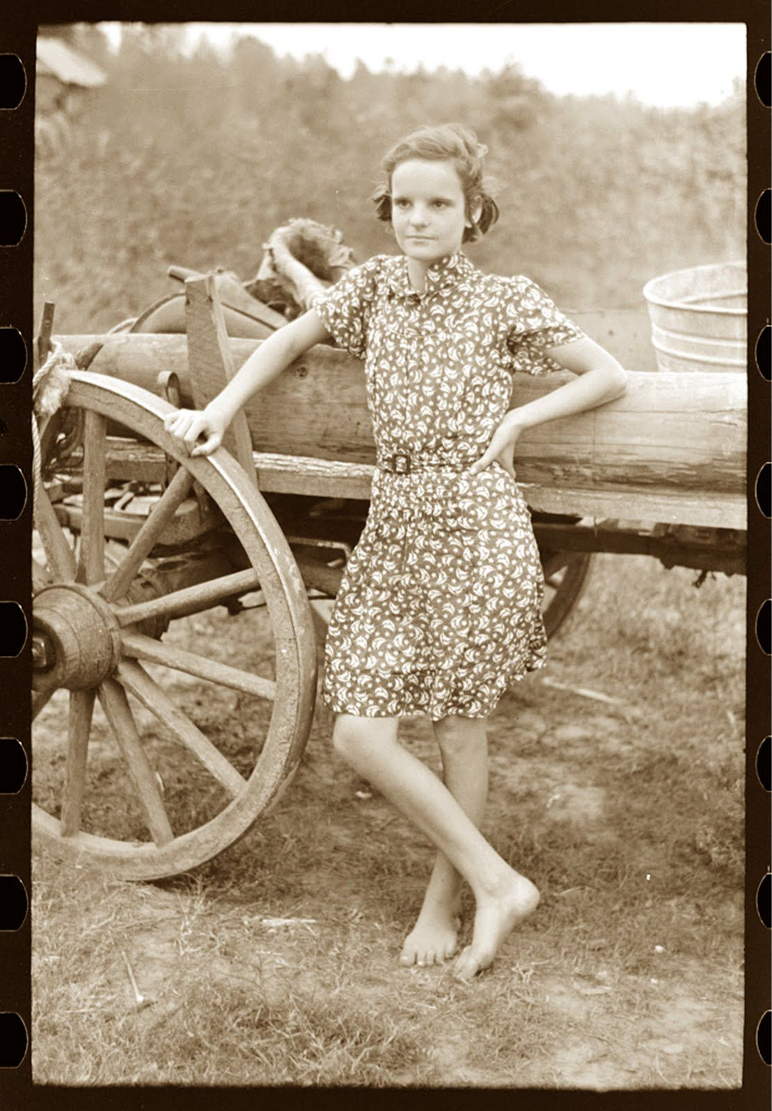 GIRL LIVING IN TENNESSE PROJECT 8X10 PHOTO DEPRESSION