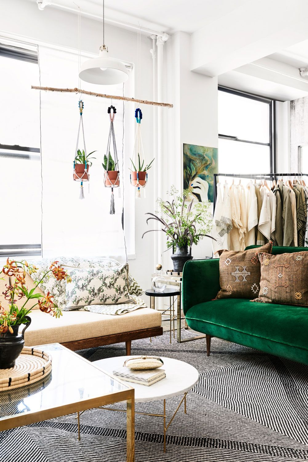 The witness apartment in chelsea is home to hand for 3 days a pop up presentation of twenty art design and lifestyle brands where every item in the