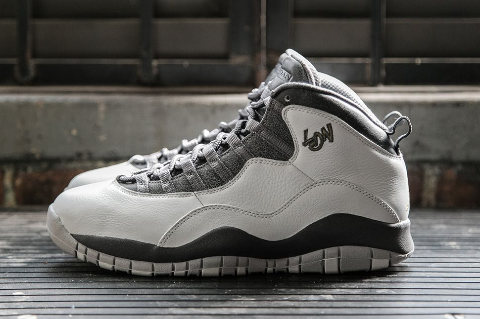 Air Jordan 10 Ovo Tronc Noir De Footlocker