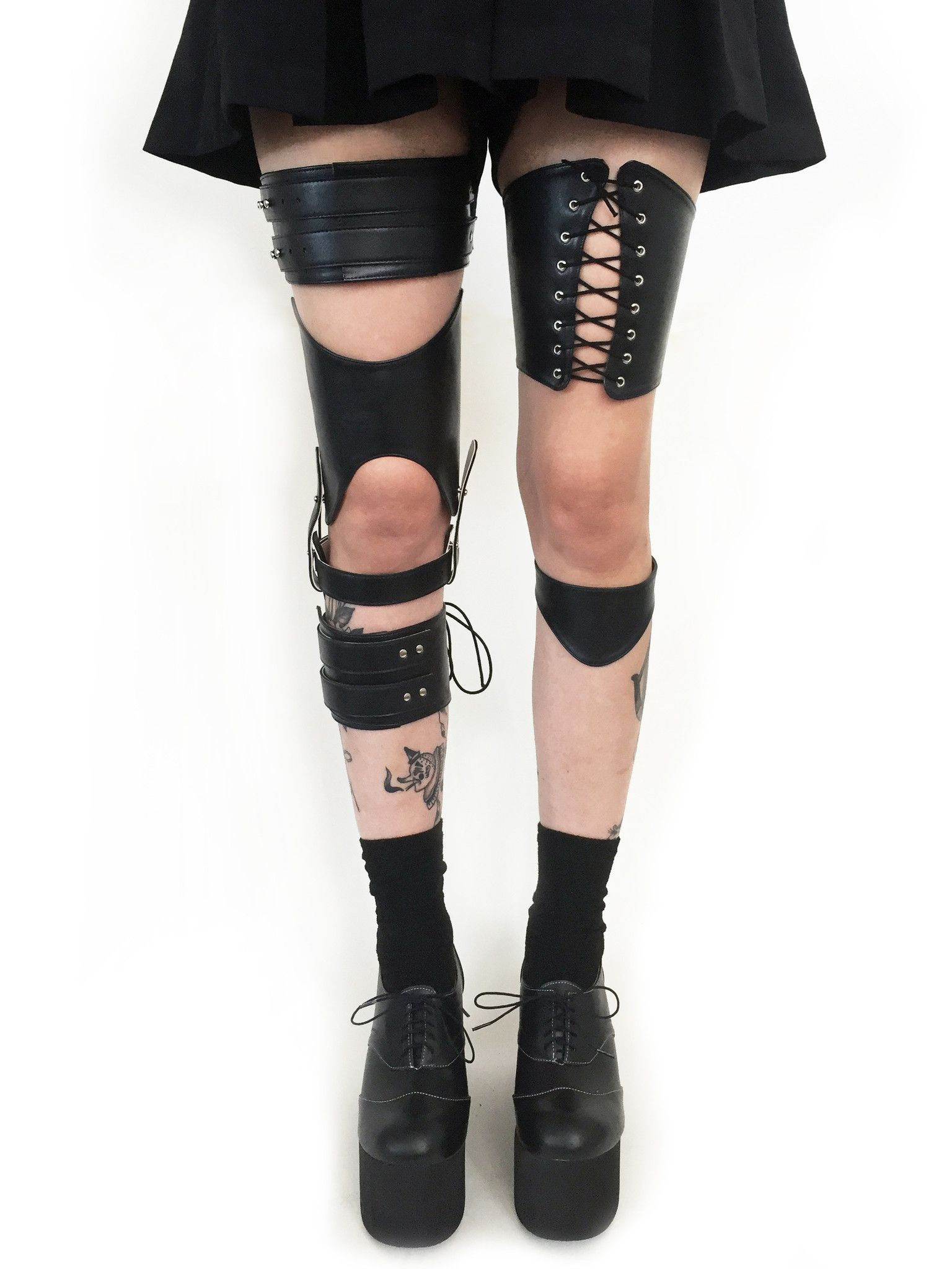 Deandri leg harness / knee brace / thigh brace