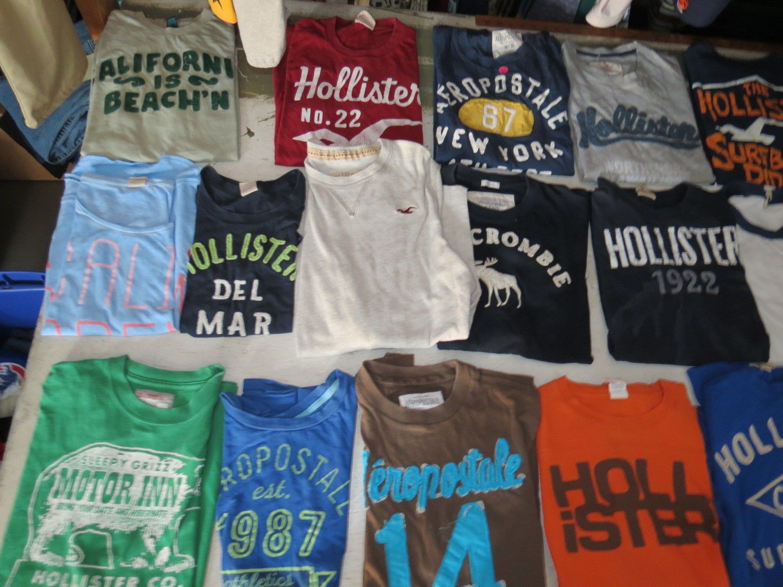 LOT OF 70 HOLLISTER T SHIRTS TEES ABERCROMBIE FITCH DISTRESSED MOST MENS JUNIOR https://t.co/JqZLwvJhWU https://t.co/5Qkvio9qVk