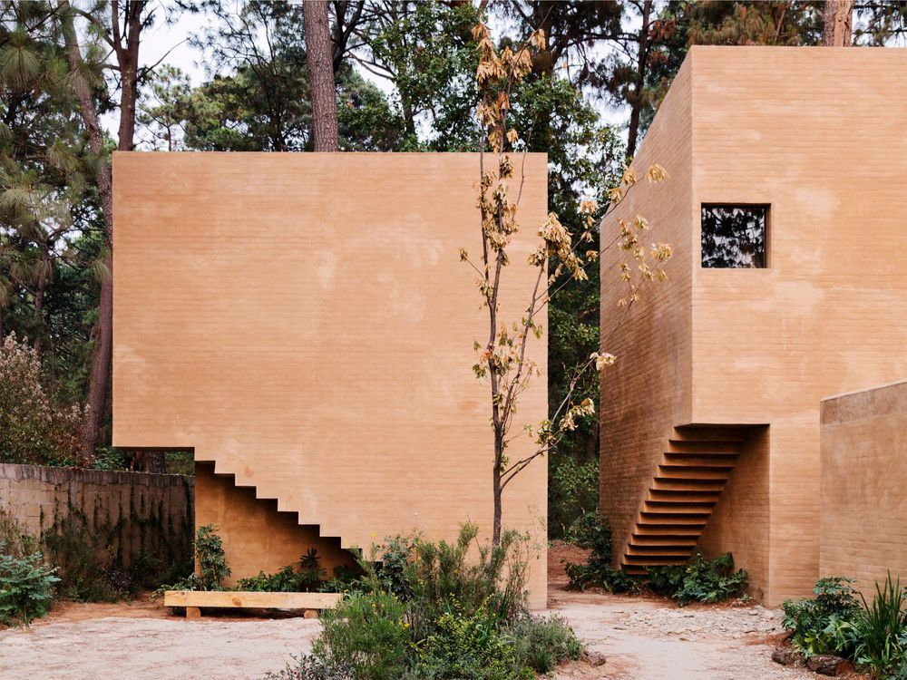 Modern brick homes get a pinkish tone from soil Bricks, Modern - Idee Facade Maison Moderne