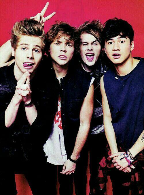They Are So Cute With Images 5 Seconds Of Summer Second Of