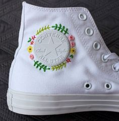 Floral embroidered c Floral embroidered custom Converse