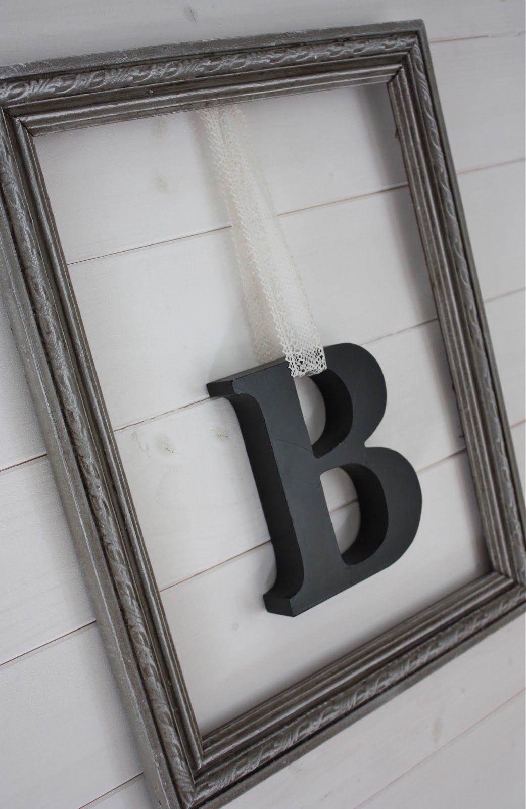 B Suspendu Dans Cadre Dentelle Ancienne Diy Decoration Chambre Conseil Deco Et Deco