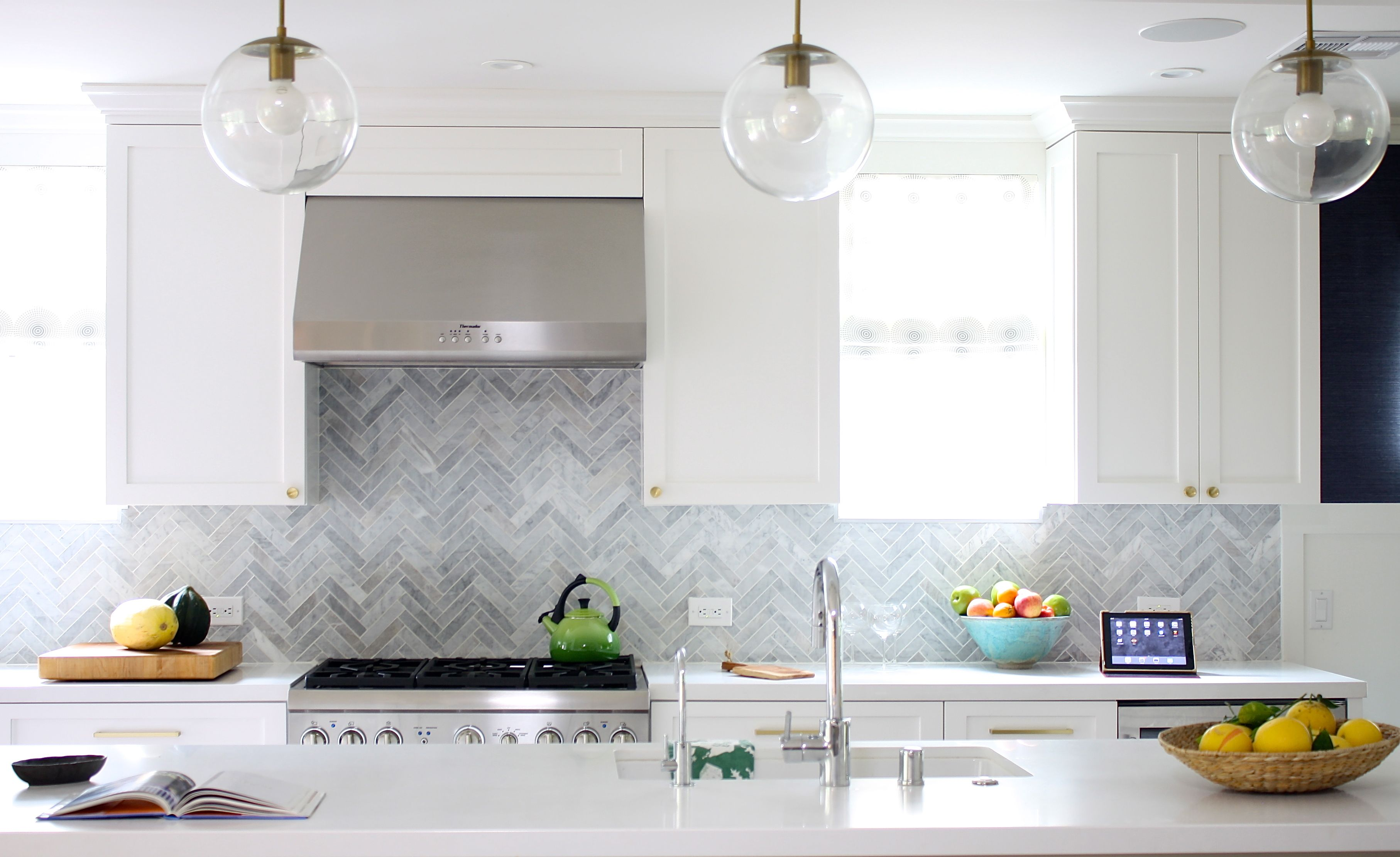 White Kitchen Herringbone Marble Backsplash Schoolhouse Electric