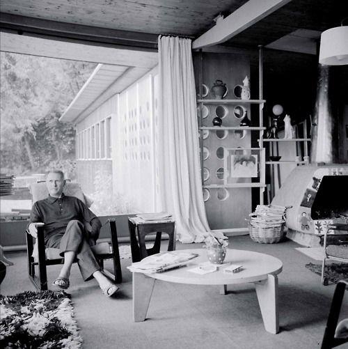 Jean Prouve dans sa maison A Nancy.