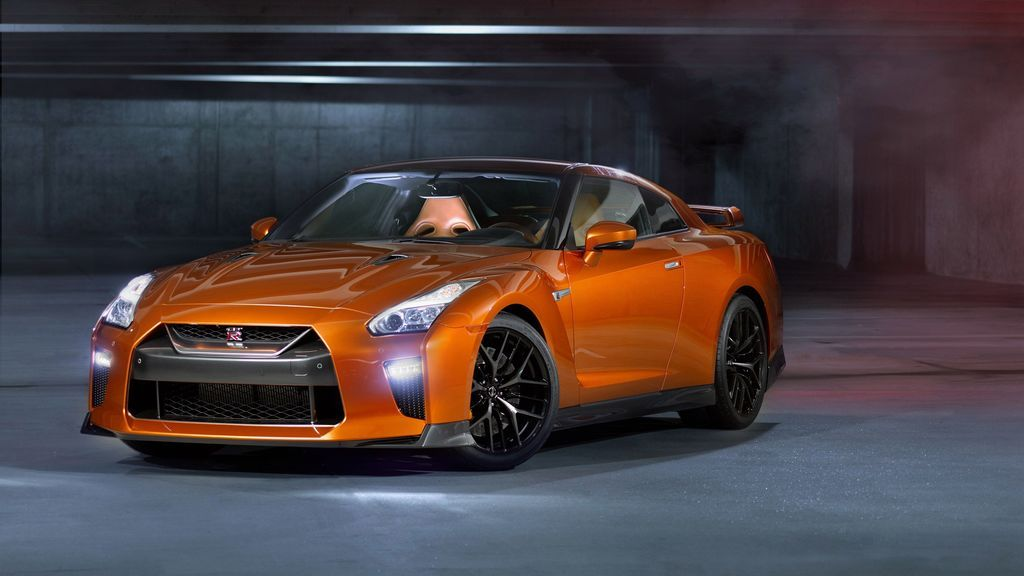2017 Nissan GTR Orange Car Wallpaper