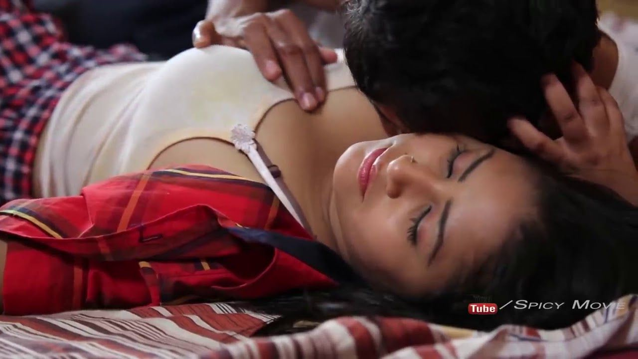 Telugu Short Film Young Romantic Couple Romance In Bed Room 2018